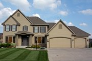 Traditional Style House Plan - 4 Beds 2.5 Baths 2770 Sq/Ft Plan #51-425 Exterior - Front Elevation