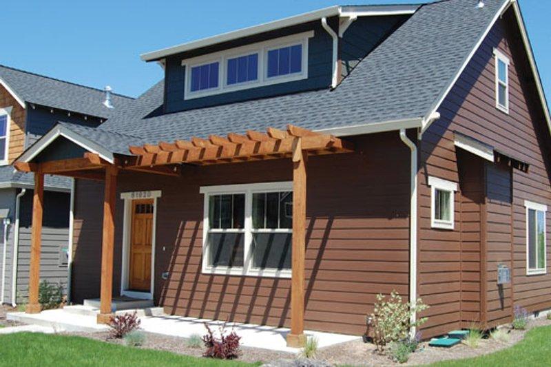 Architectural House Design - Craftsman Exterior - Front Elevation Plan #434-13