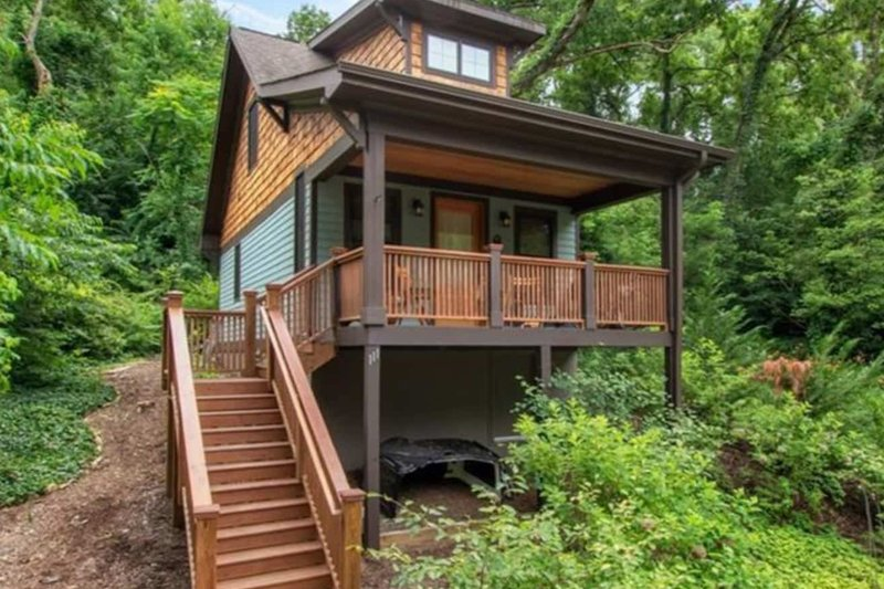 House Plan Design - Bungalow Photo Plan #79-308