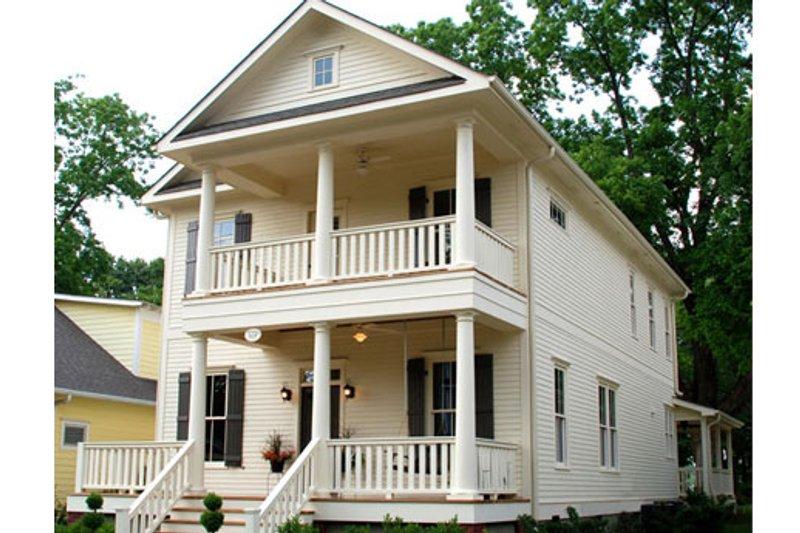 Southern Style House Plan - 4 Beds 3 Baths 2064 Sq/Ft Plan #461-33