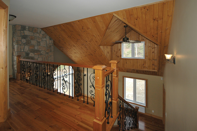 balcony - 1600 square foot Craftsman Cabin