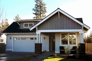 Craftsman Exterior - Front Elevation Plan #895-93