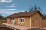 Craftsman Style House Plan - 1 Beds 2 Baths 836 Sq/Ft Plan #515-10