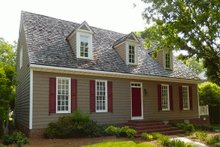 Colonial Exterior - Front Elevation Plan #137-201