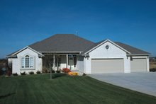 House Plan Design - Traditional Exterior - Front Elevation Plan #20-725