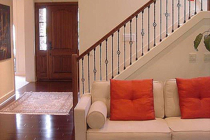 Craftsman Interior - Entry Plan #48-107 - Houseplans.com