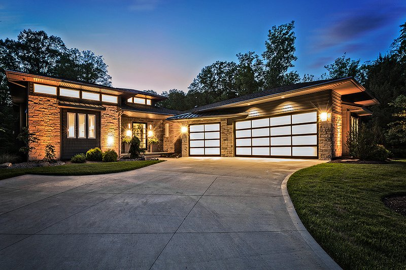 Architectural House Design - Contemporary Exterior - Front Elevation Plan #935-5