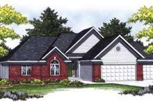 House Plan Design - Traditional Exterior - Front Elevation Plan #70-830