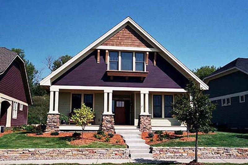 Craftsman Exterior - Front Elevation Plan #51-346