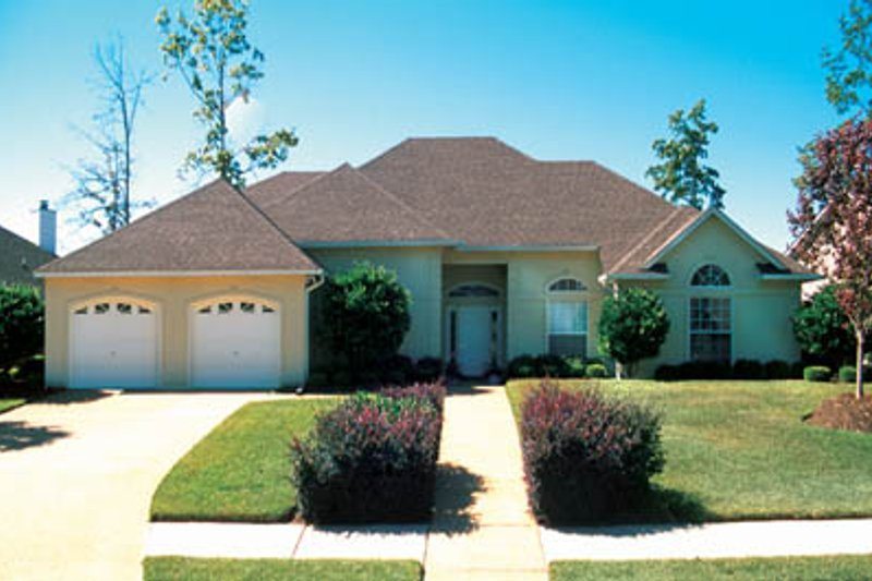 Home Plan Design - Traditional Exterior - Front Elevation Plan #45-129