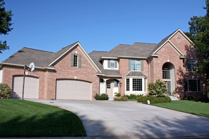 European Style House Plan - 4 Beds 2.5 Baths 3150 Sq/Ft Plan #51-461 Exterior - Front Elevation
