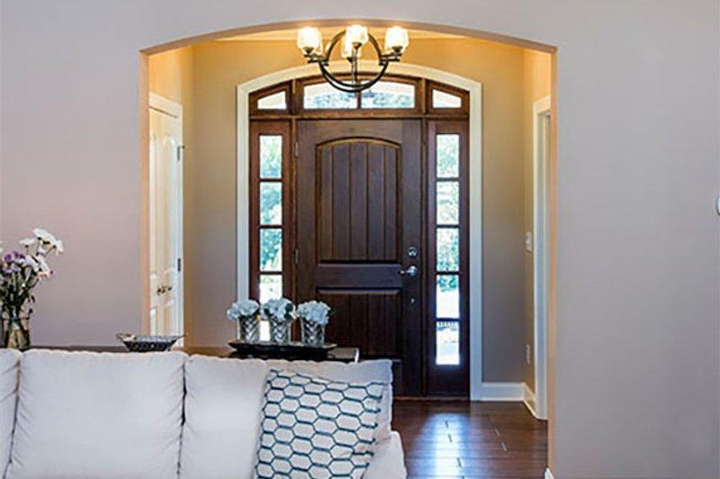 Craftsman Interior - Entry Plan #929-7 - Houseplans.com