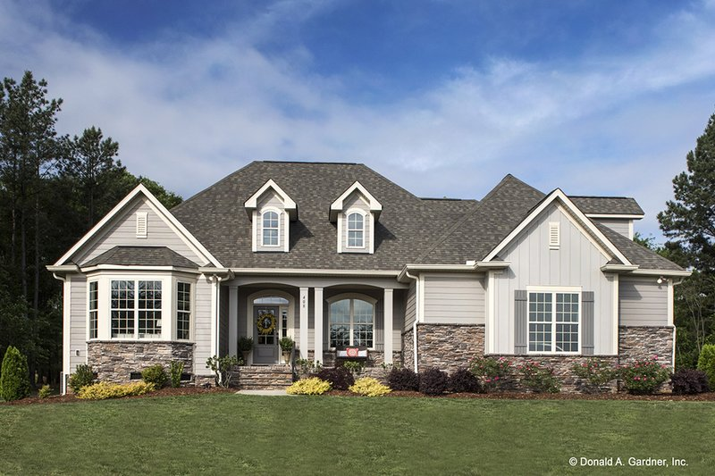 Country Exterior - Front Elevation Plan #929-610