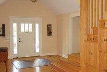 House Plan Design - Craftsman Interior - Entry Plan #939-1