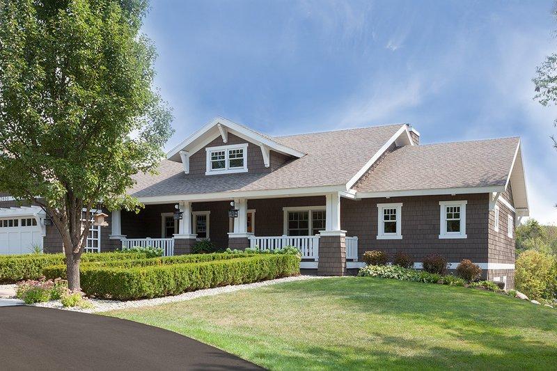 Craftsman Style House Plan - 3 Beds 2.5 Baths 3392 Sq/Ft Plan #901-16