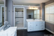 Craftsman Interior - Master Bathroom Plan #929-7