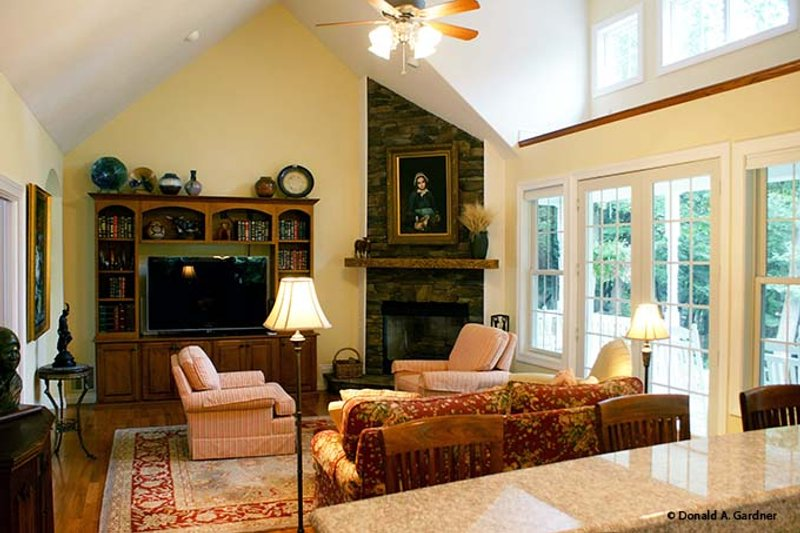 Country Interior - Family Room Plan #929-700 - Houseplans.com