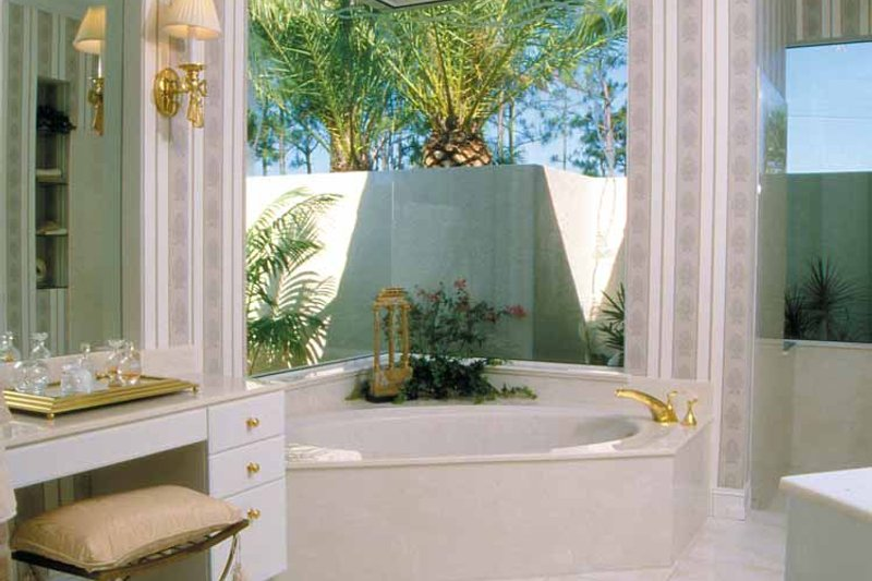 Mediterranean Interior - Bathroom Plan #930-24 - Houseplans.com