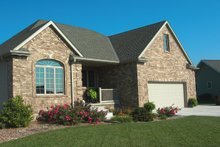 House Plan Design - Traditional Exterior - Front Elevation Plan #20-2371