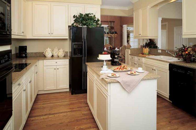 Craftsman Interior - Kitchen Plan #929-650 - Houseplans.com