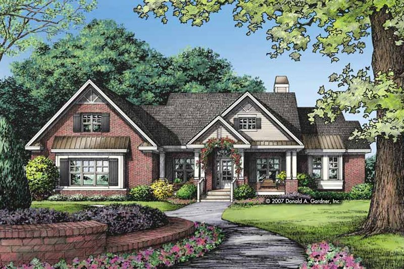 Traditional Exterior - Front Elevation Plan #929-829 - Houseplans.com
