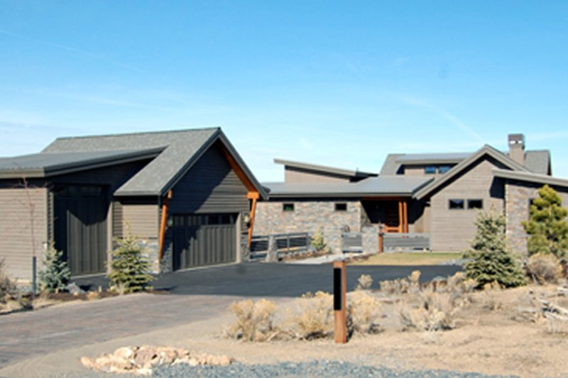 Architectural House Design - Ranch Exterior - Front Elevation Plan #895-76