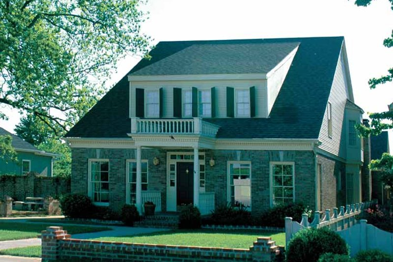 Colonial Exterior - Front Elevation Plan #17-2631