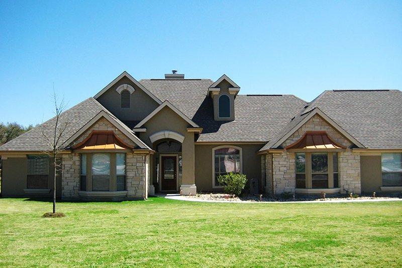 House Plan Design - European Exterior - Front Elevation Plan #472-251