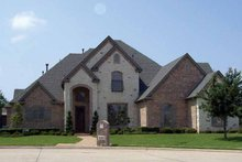 Home Plan - Traditional Exterior - Front Elevation Plan #84-732