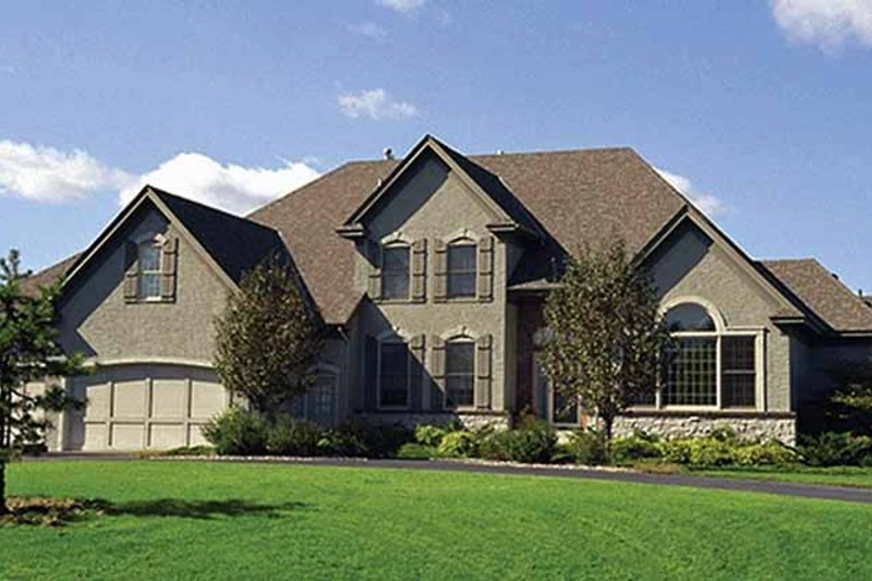 Traditional Exterior - Front Elevation Plan #51-777 - Houseplans.com
