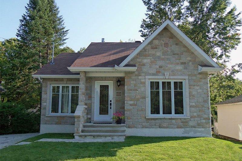 House Plan Design - Craftsman Exterior - Front Elevation Plan #23-2361