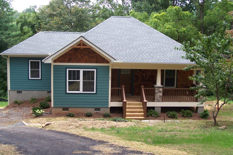 Dream House Plan - Country Photo Plan #44-177