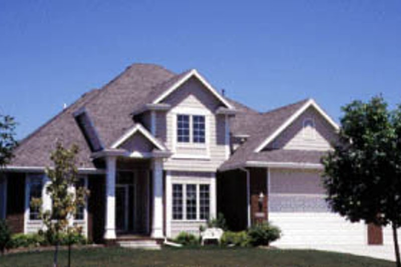 Traditional Style House Plan - 4 Beds 2.5 Baths 2285 Sq/Ft Plan #20-2009 Exterior - Front Elevation