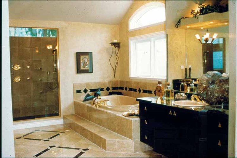 Mediterranean Interior - Bathroom Plan #47-895 - Houseplans.com