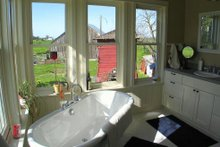 House Plan Design - farmhouse bath2