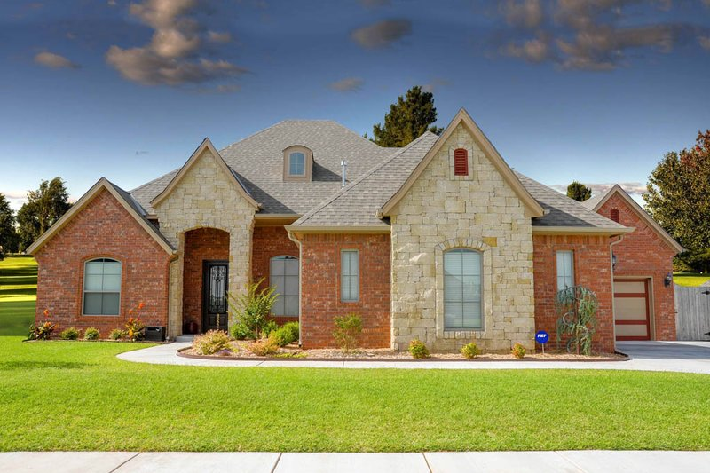 European Style House Plan - 3 Beds 2 Baths 2161 Sq/Ft Plan #65-525 Exterior - Front Elevation