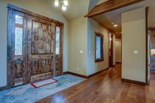 Craftsman Interior - Entry Plan #892-29