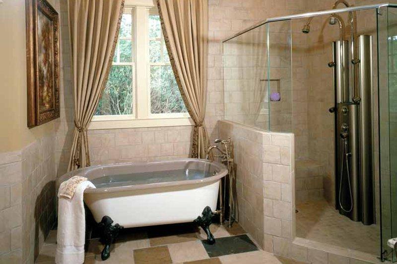 Craftsman Interior - Bathroom Plan #429-272 - Houseplans.com