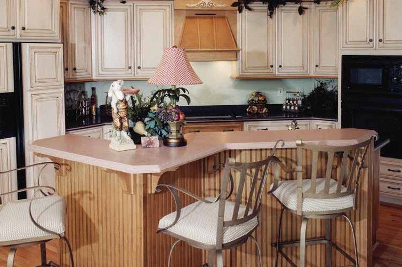 Colonial Interior - Kitchen Plan #46-682 - Houseplans.com