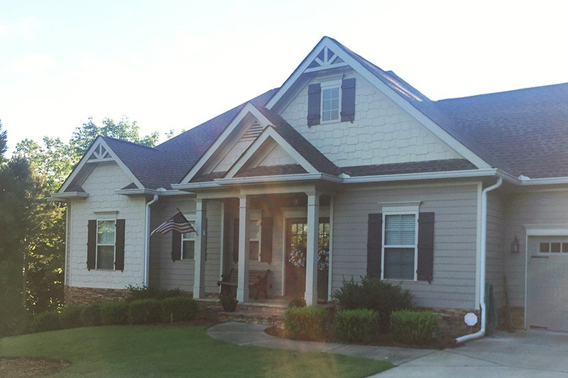 Ranch Exterior - Front Elevation Plan #437-77 - Houseplans.com