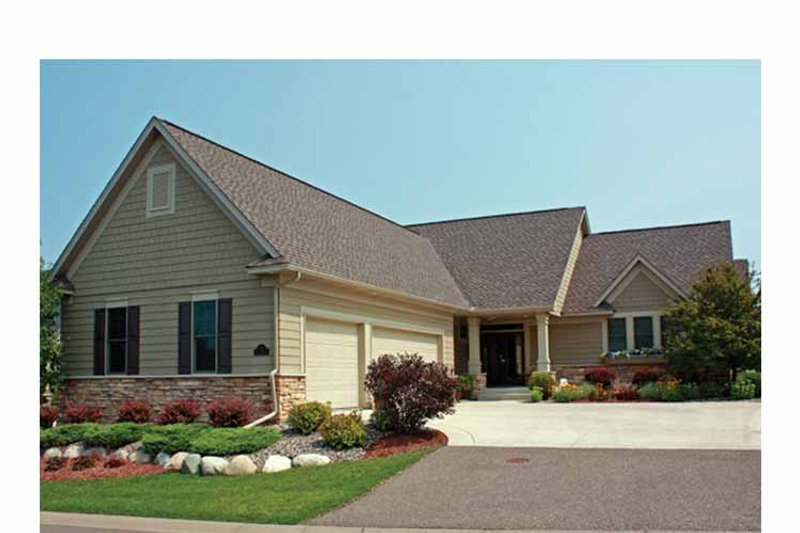 Ranch Exterior - Front Elevation Plan #51-1060 - Houseplans.com