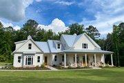 Farmhouse Style House Plan - 4 Beds 3.5 Baths 2993 Sq/Ft Plan #927-988