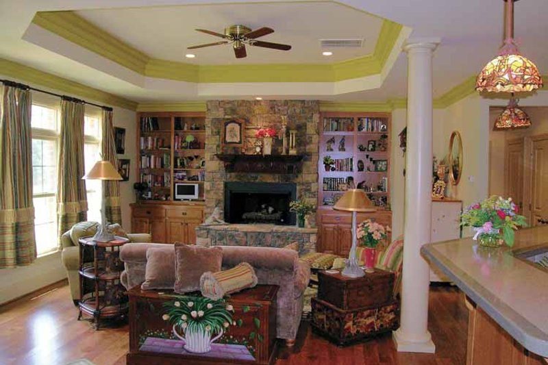 Ranch Interior - Family Room Plan #314-202 - Houseplans.com