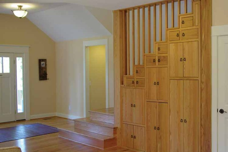 Craftsman Interior - Entry Plan #939-1 - Houseplans.com