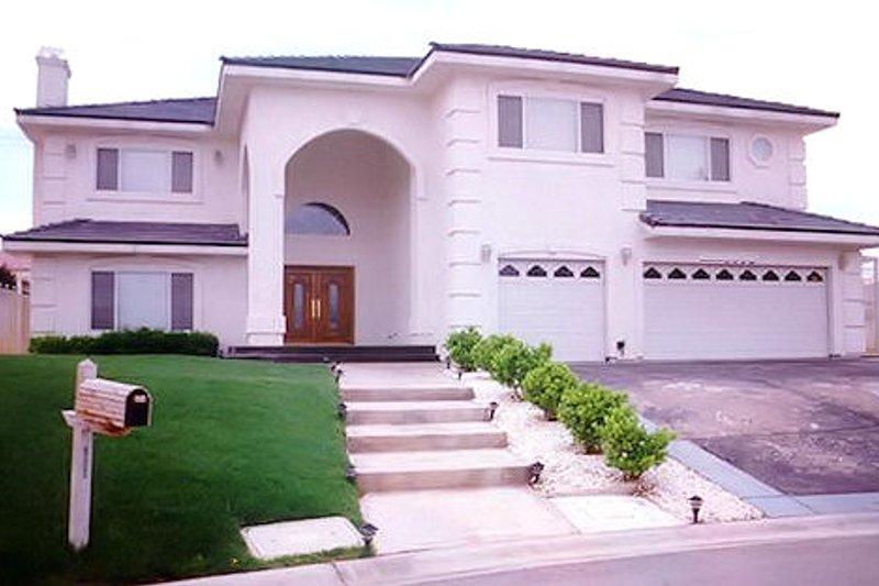 Mediterranean Style House Plan - 6 Beds 7.5 Baths 4895 Sq/Ft Plan #1-927