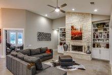 Prairie Interior - Family Room Plan #935-13
