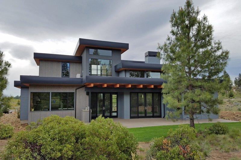 Modern Exterior - Rear Elevation Plan #892-17 - Houseplans.com