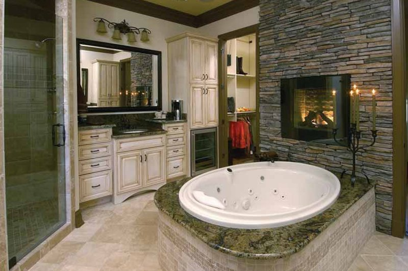 Country Interior - Master Bathroom Plan #952-276 - Houseplans.com