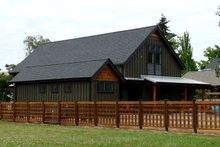 Farmhouse Photo Plan #124-901