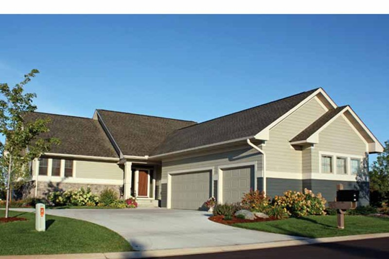 Ranch Exterior - Front Elevation Plan #51-1058 - Houseplans.com